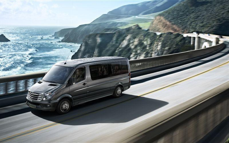 2014-Mercedes-Benz-Sprinter-in-motion